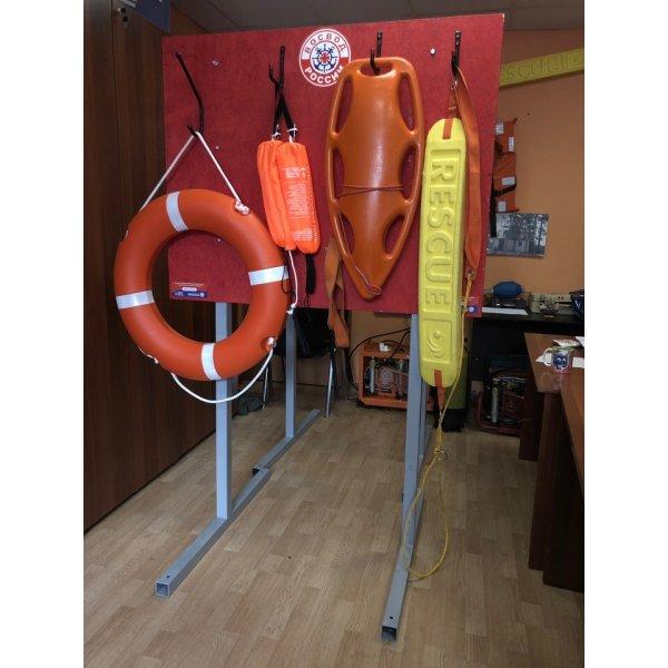 Щит  со спасательным оборудованием